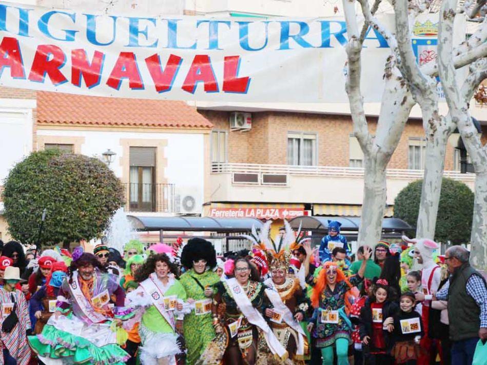 723f11fa6f Más de 400 participantes en la carrera de máscaras del Carnaval de ...